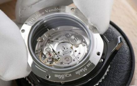 maintaining mechanical replica watches